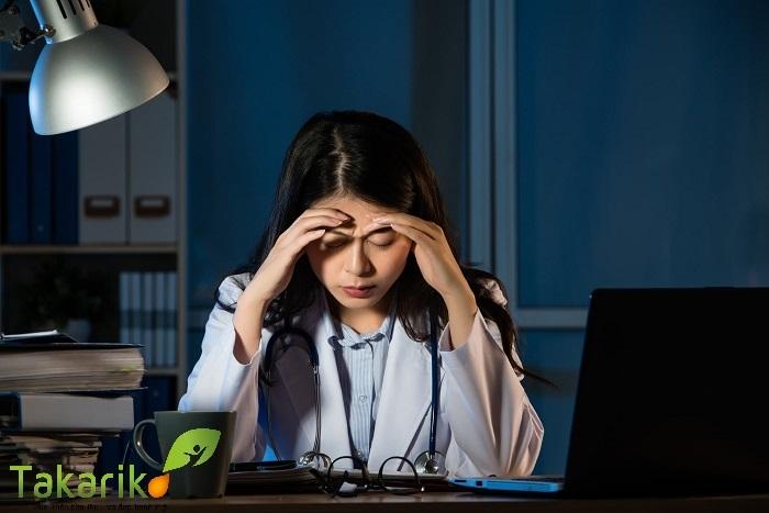 thuốc cân bằng nội tiết tố nữ trị mụn